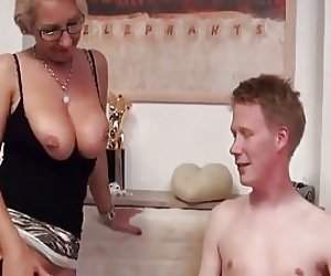 Sexy nude blonde squrting